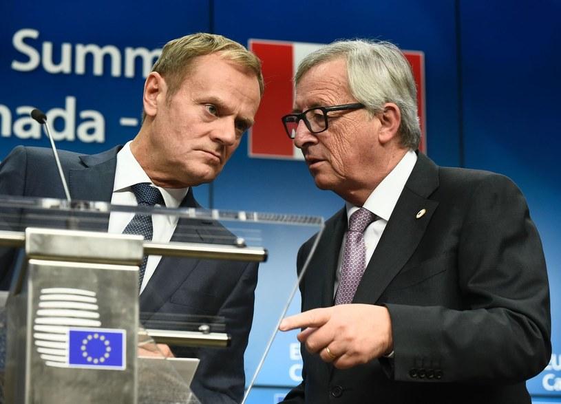 Przewodniczący Rady Europejskiej Donald Tusk i szef Komisji Europejskiej Jean-Claude Juncker /AFP