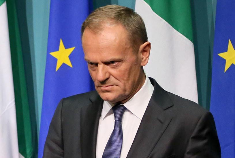 Przewodniczący Rady Europejskiej Donald Tusk miał rozdrażnić państwa Wspólnoty - pisze gazeta /PAUL FAITH    /AFP