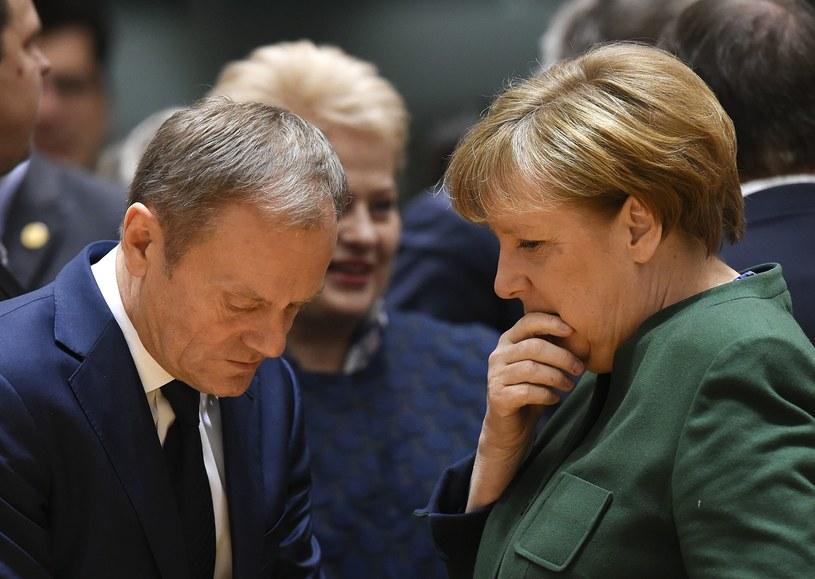 Przewodniczący RE Donald Tusk i kanclerz Niemiec Angela Merkel /AFP