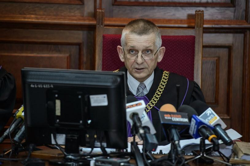 Przewodniczący składu sędziowskiego sędzia Andrzej Kaczmarek podczas rozprawy /Wojciech Pacewicz /PAP
