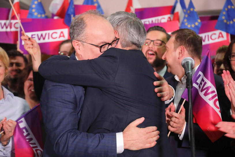 Przewodniczący SLD Włodzimierz Czarzasty oraz lider partii Wiosna Robert Biedroń podczas konwencji SLD i Wiosny /Wojciech Olkuśnik /PAP