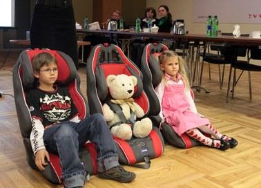 Przewożenie dzieci w fotelikach nie będzie zależeć od wieku