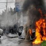 Przewrót w Kirgistanie: 65 ofiar starć, władze uciekły