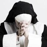 Przez dwa lata udawała zakonnicę i ukrywała się w klasztorach przed policją