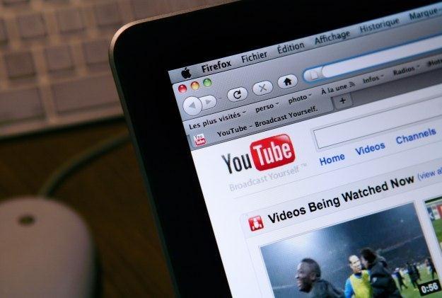Przez naruszenia praw autorskich YouTube traci cenne zasoby /AFP