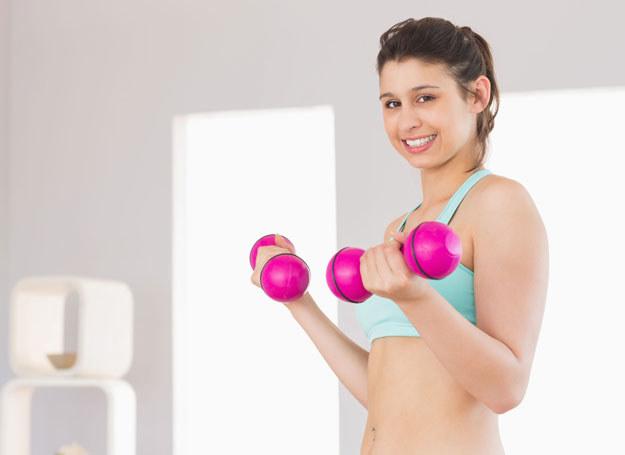 Przez rozpoczęciem ćwiczeń skonsultuj się z lekarzem /123RF/PICSEL