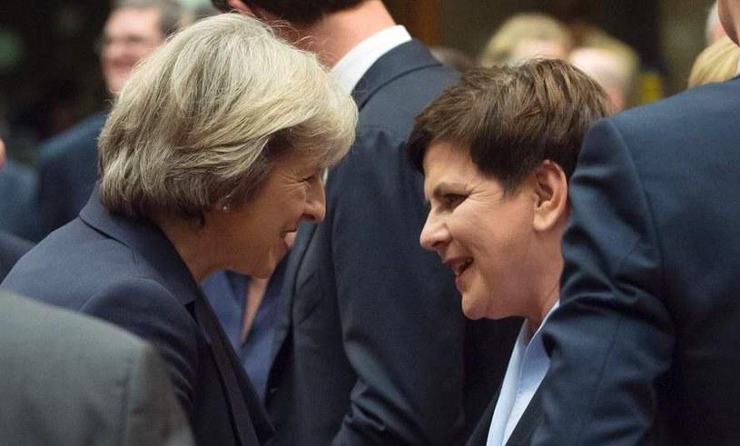 """""""Przez spalone mosty nie da się już przejść"""". Na zdjęciu Theresa May i Beata Szydło /AFP"""