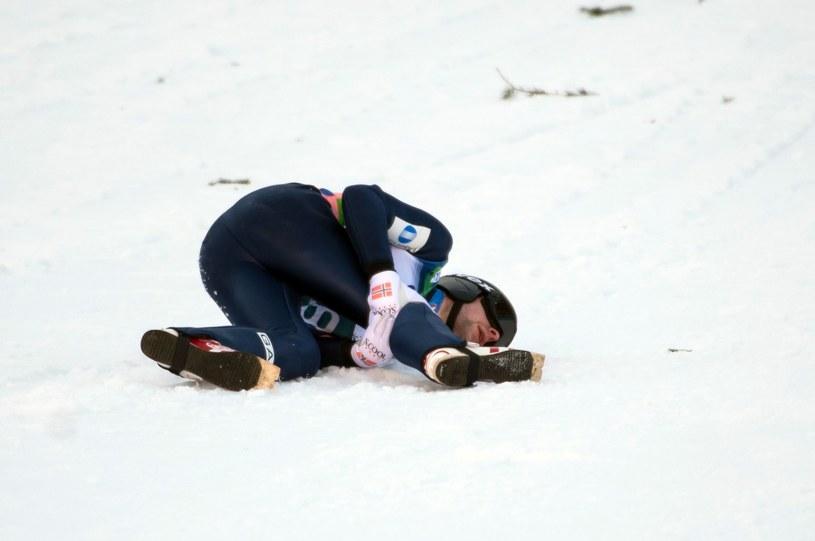 Przez ten upadek z 22 marca Anders Jacobsen może stracić Igrzyska Olimpijskie w Soczi. /AFP