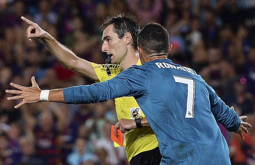 Przez to natarcie na sędziego Ronaldo ma teraz kłopoty. /AFP
