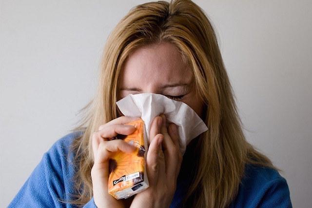 przeziębienie albo grypa /© Photogenica