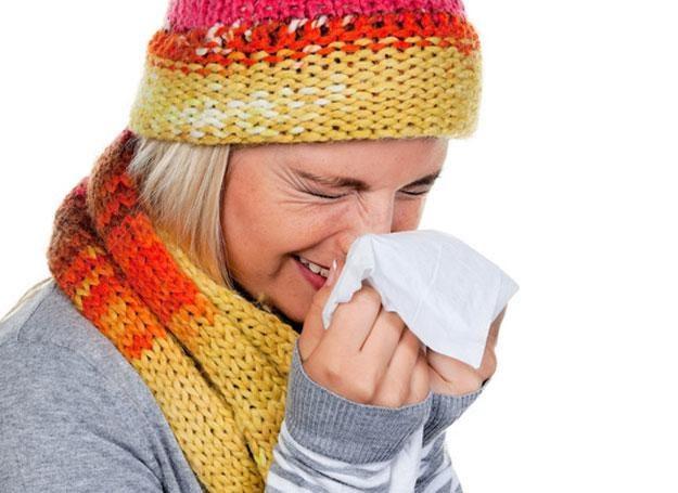 Przeziębienie nie jest groźne, ale bywa uciążliwe /© Panthermedia