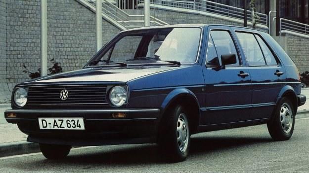 Przód pojazdu przypomina nową odmianę Polo. /Volkswagen
