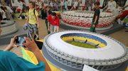 Przy budowie ministadionu starano się wiernie odwzorować detale pierwowzoru. Zachowano proporcje obiektu, wzory architektoniczne i kolorystykę. Najpierw powstał szkielet stadionu z trybunami, potem nakryto go tworzywem imitującym dach.