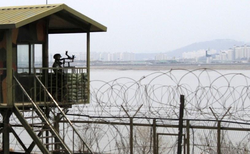 Przy granicy między Koreami /PAP/EPA