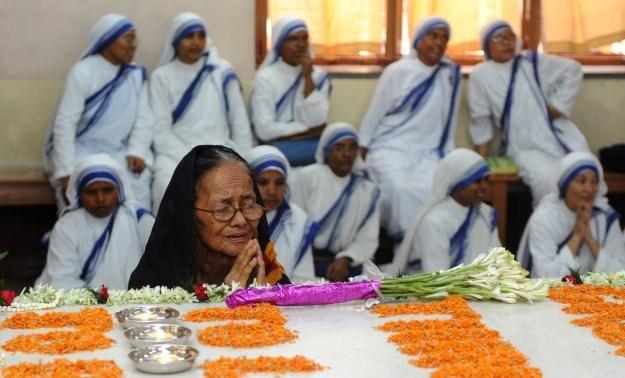 Przy grobie błogosławionej Matki Teresy /AFP
