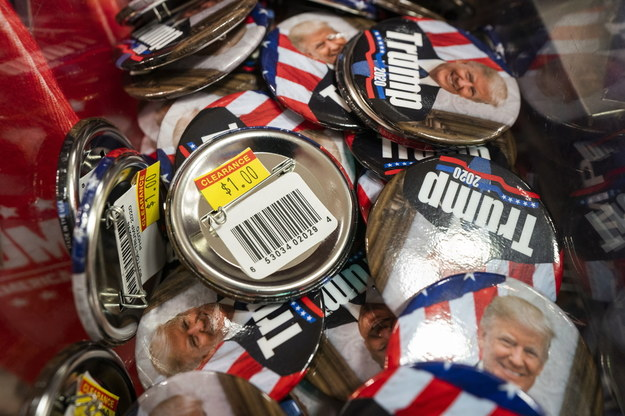 Przy pierwszym przeliczeniu w Georgii przewagę ponad 14 tys. głosów miał Biden /JIM LO SCALZO /PAP/EPA