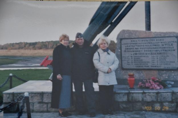 Przy pomniku w Wicku Morskim upamiętniającym ofiary katastrofy /
