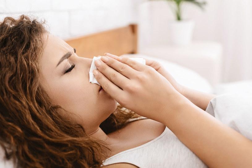 Przy problemach z zatokami najważniejsza jest higiena nosa /123RF/PICSEL