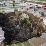 Przy szpitalu w Neapolu zapadła się ziemia. Ewakuowano chorych na Covid-19