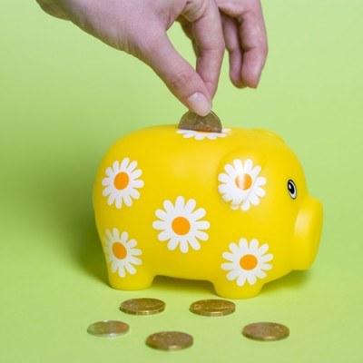Przy wyborze konta internetowego warto zwrócić uwagę na wszystkie dodatkowe opłaty /© Bauer