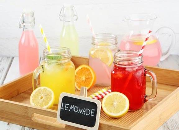 Przy wyborze owoców i dodatków do lemoniady kieruj się smakiem, który najbardziej lubisz lub wymyśl nowe kompozycje /materiały prasowe /materiały prasowe