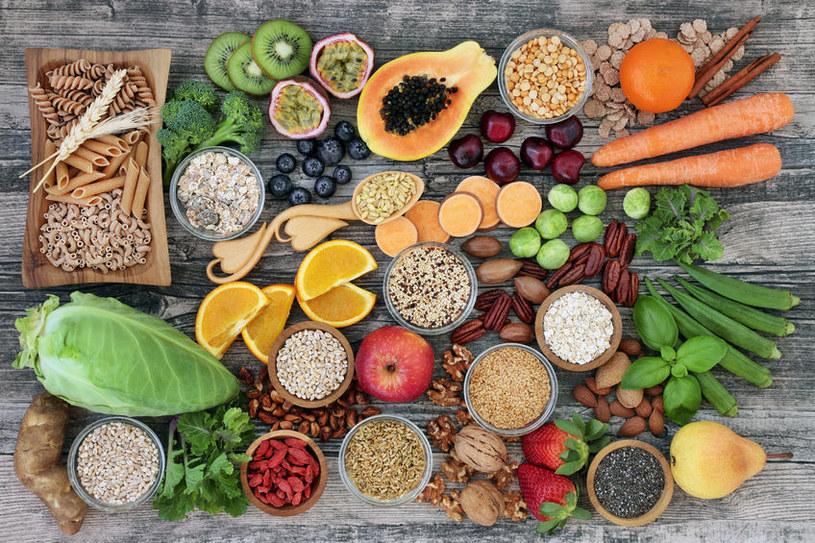 Przy zapaleniu trzustki nie wolno jeść produktów bogatych w błonnik /123RF/PICSEL