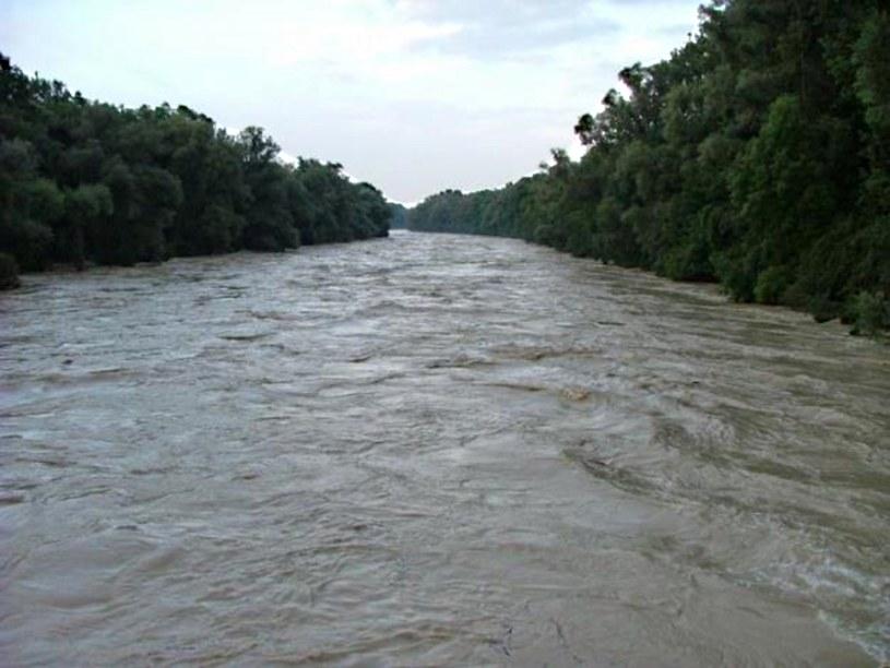 Przybierają rzeki na południu regionu /123RF/PICSEL