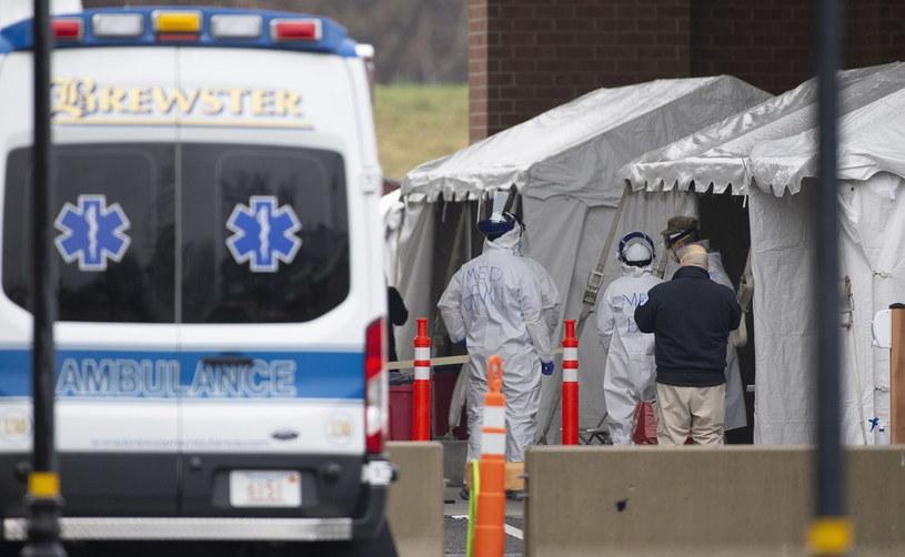 Przybywa ofiar śmiertelnych w Nowym Jorku /CJ GUNTHER /PAP