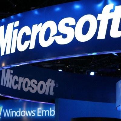 Przychód netto firmy Microsoft zwyżkował o 60 procent rok do roku do 6,66 mld USD /INTERIA.PL