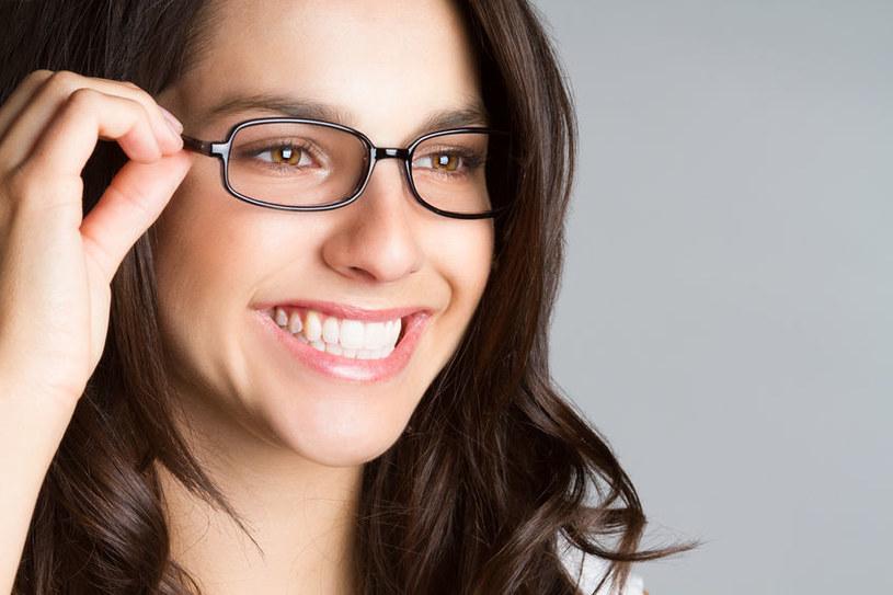 Przydatne triki dla okularników /123RF/PICSEL