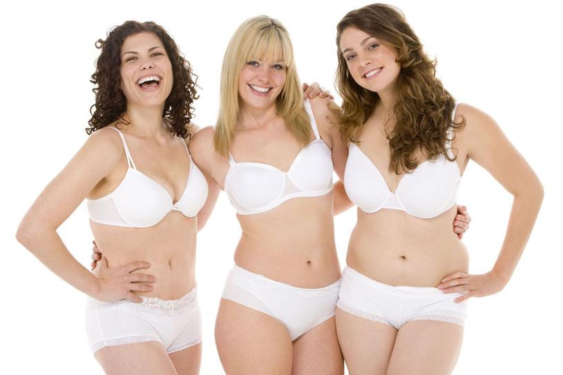Przyglądanie się kobiecie o krągłych kształtach działa na około 75 proc. mężczyzn. I to dosłownie działa jak narkotyk! /123RF/PICSEL