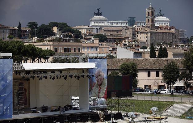 Przygotowania do uroczystości w Rzymie /PAP/EPA