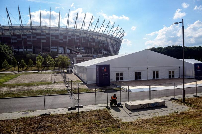 Przygotowania w rejonie Stadionu Narodowego /Jakub Kamiński   /PAP
