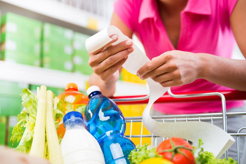 Przygotowując się odpowiednio do zakupów można czasami sporo zaoszczędzić /123RF/PICSEL