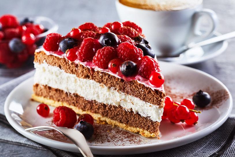 Przygotuj letnie desery z malinami! /123RF/PICSEL
