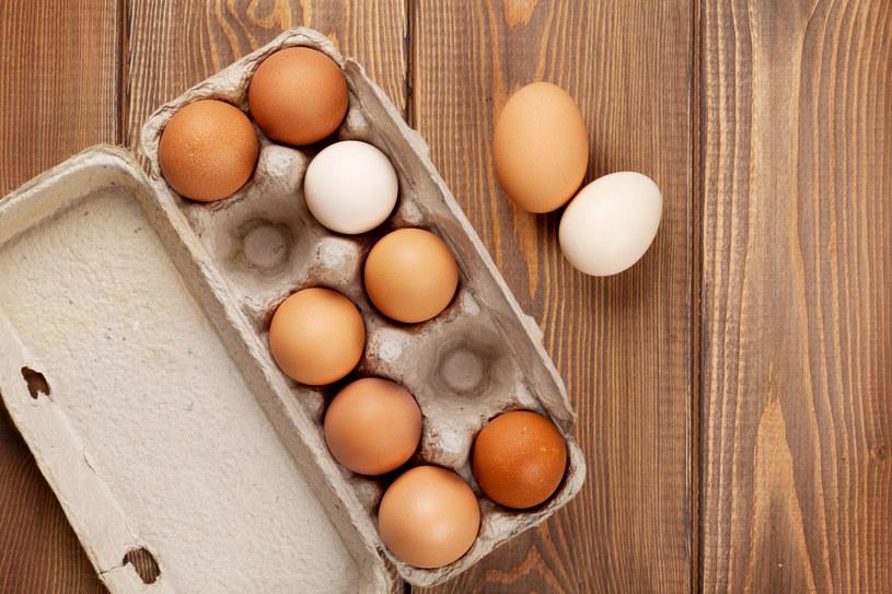 Przygotuj nalewkę z jajek /123RF/PICSEL