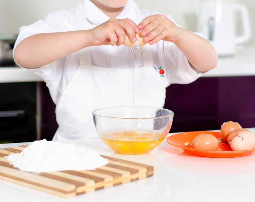Przygotuj pyszne danie z jajek /123RF/PICSEL