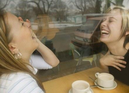 Przyjaźń jest wartością, którą kobiety stawiają na równi z udanym życiem rodzinnym /ThetaXstock