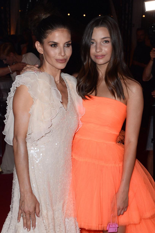 """Przyjaźń między dziewczynami narodziła się na planie serialu """"Zawsze warto"""" /VIPHOTO /East News"""