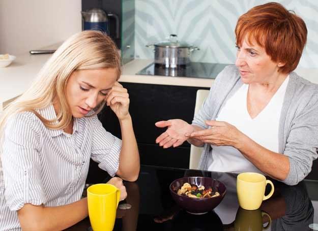 Przyjaźń z córką to niekoniecznie dobry pomysł /123RF/PICSEL