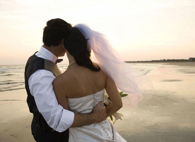 Przyjęcie weselne osób spod znaku Strzelca niesie w sobie mnóstwo pozytywnej energii /123RF/PICSEL