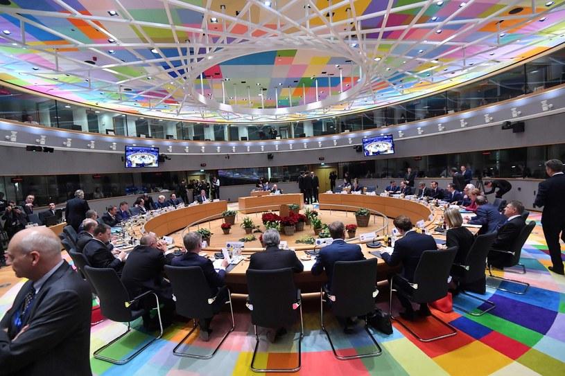 Przyjęty w piątek dokument zostanie przekazany unijnym przywódcom. Na zdjęciu posiedzenie Rady Europejskiej, grudzień 2018 /AFP