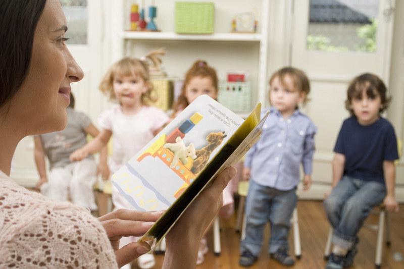 Przyjmując do przedszkola pytają o zarobki rodziców /© Panthermedia