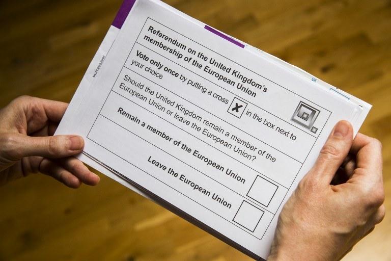 Przykładowa karta do głosowania /AFP