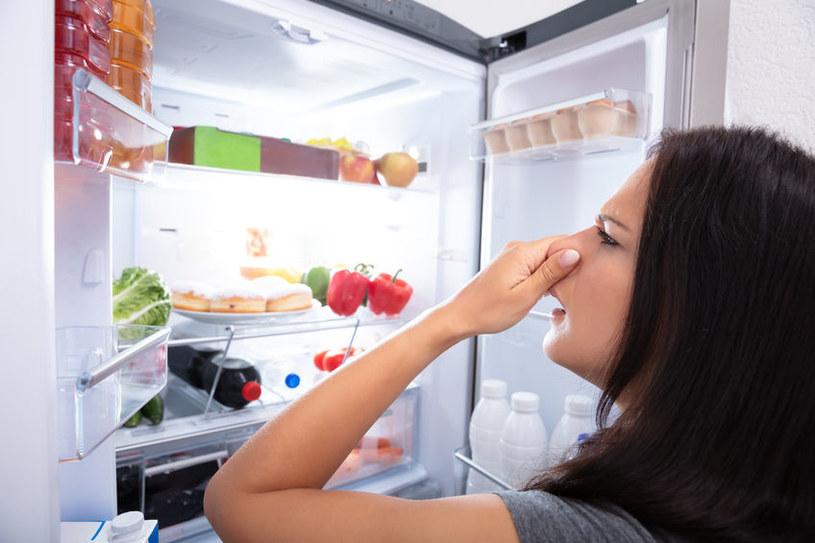 Przykrych zapachów można pozbyć się za pomocą domowych sposobów /123RF/PICSEL