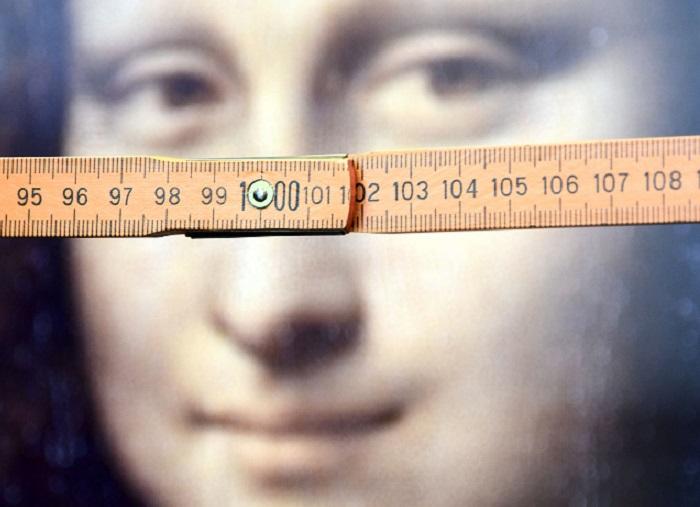 Przymiar liniowy pomagał badanym okreslić, gdzie ich zdaniem patrzy Mona Lisa /CITEC/ Bielefeld University /Materiały prasowe
