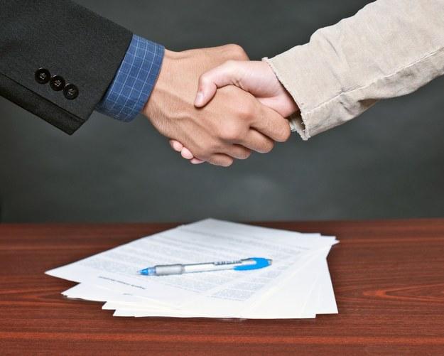 Przymus zawierania umów o pracę zwiększy bezrobocie /123RF/PICSEL