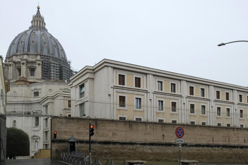 Przypadek koronawirusa stwierdzono w Domu św. Marty, gdzie mieszka papież /ANDREAS SOLARO / AFP /AFP