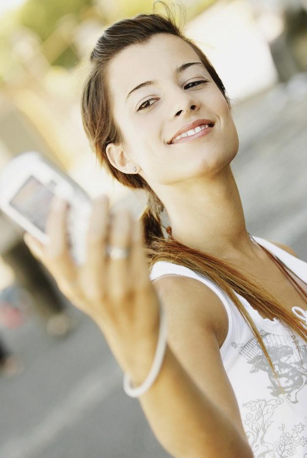 Przypomnij sobie chwile, w których byłaś szczęśliwa /© Photogenica
