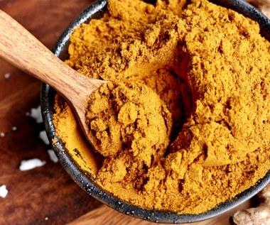 Przyprawa curry: Dlaczego warto regularnie ją stosować?